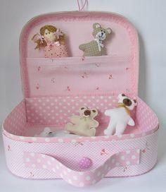 Maleta em cartonagem http://migamia.blogspot.com.br