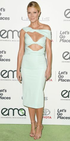 Gwyneth Paltrow accepted the 2015 EMA Green Parent Award in a racy pale blue cut-out off-shoulder Cushnie et Ochs design with delicate gold sandals.