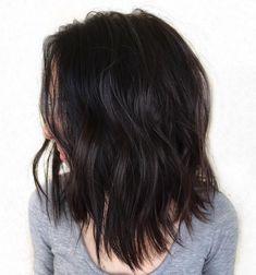80 Sensational Medium Length Haircuts for Thick Hair - - Medium Choppy Haircut For Thick Hair Lob Haircut Thick Hair, Textured Haircut, Wavy Lob, Haircuts For Long Hair, Hairstyles Haircuts, Famous Hairstyles, Layered Hairstyles, Short Haircuts, Natural Hairstyles