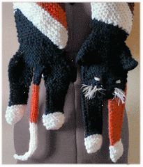 Knitted Cat Scarf Pattern : 1000+ images about Knit Scarf Patterns on Pinterest Scarf patterns, Ravelry...