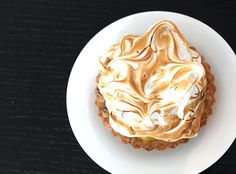 one of my favorite desserts EVER. lemon meringue tarts.