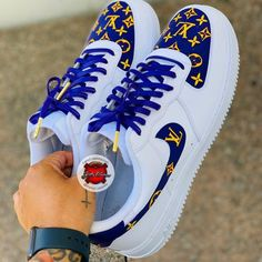 Kickz In Color Visit My Website - Customized Sneakers Rate these from Cop or Drop? White Nike Shoes, Nike Air Shoes, Nike Shoes Outlet, Sneakers Nike, Custom Painted Shoes, Custom Shoes, Jordan Shoes Girls, Cute Nikes, Nike Af1