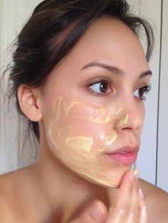 Make A Vitamin C Mask To Rejuvenate Your Skin! What you'll need      1 TBSP of powdered Vitamin C      2 Vitamin E liquid gel pills      A few drops of water      A small glass bowl      A spoon