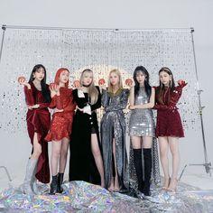 Baby Animals Super Cute, Cute Korean Girl, G Friend, Kpop Fashion, Bridesmaid Dresses, Wedding Dresses, Girl Crushes, Girl Group, Pin Up