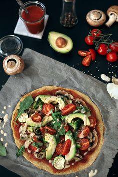 2-Ingredient Quinoa Pizza Crust - vegan+gf - Simple et Chic - Fashion & Lifestyle BlogSimple et Chic – Fashion & Lifestyle Blog