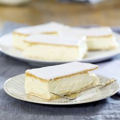Napoleonskake Norwegian Food, Recipe Boards, Looks Yummy, Yummy Cakes, Camembert Cheese, Sweet Tooth, Bacon, Cheesecake, Food And Drink