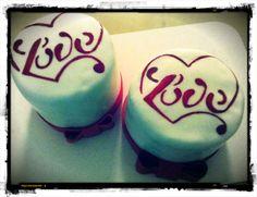 San Valentino mini cake - hand painted