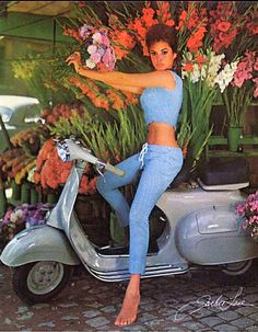 Vintage Roller Pin-up-Girl - Vespa, Lambretta, Scooter - Motor Vespa 50, Moto Vespa, Vespa Motorcycle, Piaggio Vespa, Lambretta Scooter, Vespa Scooters, Chevrolet Cruze, Chevrolet Agile, Scooter Girl