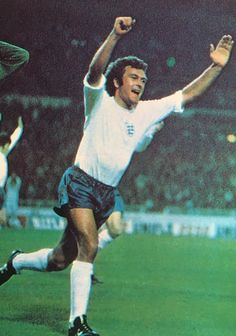 Keith Weller of England in Retro Football, Football Team, Team Player, Soccer Players, England International, England National, England Football, Coming Home, Kicks
