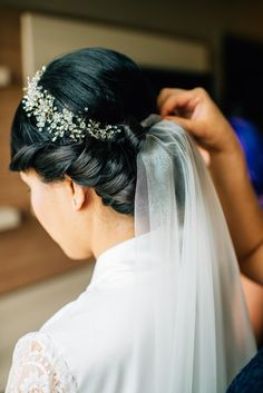 wedding hairstyle; photo: Jenna Bechtholt