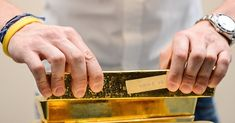 Gold settles higher, but logs a second weekly decline Gold futures rose Friday, finding support after indiscriminate selling across financial markets weighed even on some traditional havens, sending p.