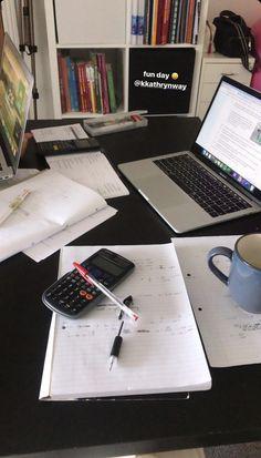 School Organization Notes, Study Organization, School Notes, Study Desk, Study Space, Colegio Ideas, Study Pictures, School Study Tips, Study Hard