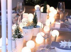 n°10/15   n°11/15   n°12/15   n°13/15   n°14/15   n°15/15  Des guirlandes lumineuses en chemin de table Pour éclairer la table autrement qu'avec des bougies, optez pour une guirlande lumineuse (blanche ou colorée) qui apportera un côté très déco à votre table. Vous pouvez également la disposer dans un grand vase que vous placerez en bout de table. Photo : yAyA Aure sur Pinterest               PrevNext  502  + DE DIAPORAMAS  Les occasions du Lion En ce moment, 3000 véhicules garantis 5 ans à…