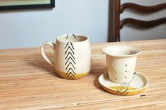 Rad geworfen Tee Tee-Ei-Tasse mit Sieb & Deckel Senf Pfeile