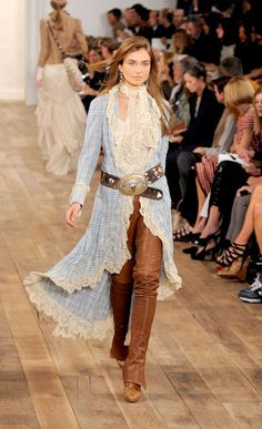ralph lauren spring 2011. Something tells me I could wear this with positive effect. Would need to be very bright and something less textile-y but I like the very long but rounded lines. +/- the boots (in black)?