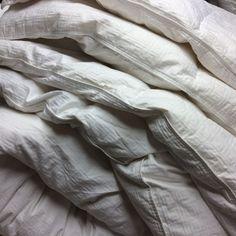 king 100 white down comforter baffle box white cotton damask cord binding
