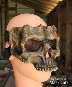 Media máscara de calavera