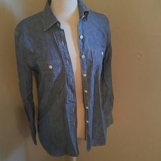 J crew button up Gently used. Tag says XXs BUT FITS LIKE A SMALL J. Crew Tops Button Down Shirts