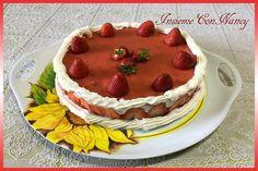 Cheesecake con fragole e panna