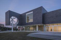 Moody Center for the Arts / Michael Maltzan Architecture