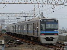 http://funini.com/train/tokyo/hokuso/hokuso7500/index.html.en