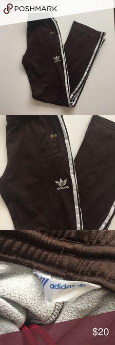 Adidas sweat pants size 36 Like new condition, zippers on the bottom adidas Pants Straight Leg