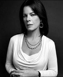Marcia Gay Harden - Nascimento: 14/08/1959 - País de nascimento: Estados Unidos.  Vencedora de (1) Oscar pela Academia, até o ano de 2014. Marcia venceu pelo trabalho em: (Pollock, 2000) Além de (1) outra Indicação.