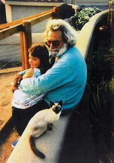 10. Jerry Garcia (The Grateful Dead) | Community Post: Cool For Cats: 20 Musicians Chilling With Their Feline Friends