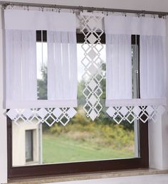 Modern Window Coverings, Luxury Curtains, Decoration, Valance Curtains, A Table, Projects To Try, Wall Decor, Windows, Furniture