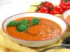 Italiensk tomatsoppa på rostade tomater | Recept från Köket.se Thai Red Curry, Pudding, Ethnic Recipes, Desserts, Food, Tailgate Desserts, Puddings, Dessert, Postres