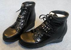 Zwarte, op maat gemaakte damesschoenen | OIM Orthopedie