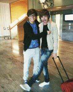 Old photo of Louis and Liam :)