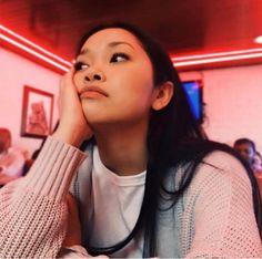 Lana Condor as Lara Jean ❤ Que linda Lara Jean, Pretty People, Beautiful People, Love Is Scary, Jean Peters, Jenny Han, I Still Love You, Film Serie, Celebs