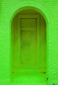 verde---➽viridi➽πράσινος➽green ➽verde➽grün➽綠➽أخضر ➽зеленый Color Verde Claro, Yoga Studio Design, When One Door Closes, Go Green, Pretty Green, Bright Green, Neon Yellow, Color Of Life, Neon Colors