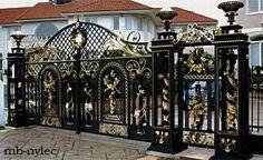 Kute bramy i ogrodzenia pałacowe