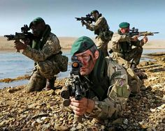 British Royal Marines British Royal Marines, British Army Uniform, British Armed Forces, British Soldier, Pictures Of Soldiers, Military Pictures, Military Army, Military Life, Military Gear