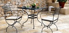 21 wrought iron garden furniture - Highlights the graceful air Wrought Iron Garden Furniture, Metal Patio Furniture, Iron Furniture, Living Furniture, Furniture Layout, Table Furniture, Furniture Ideas, Outdoor Rooms, Outdoor Tables