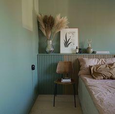 #emmawallmen 's bedroom.