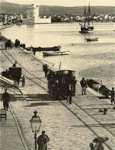 Salonica/Selanik: Seafront at the end of Century Macedonia Greece, Athens Greece, Old Time Photos, Old Pictures, Greece History, History Of Photography, Thessaloniki, Historical Pictures, Public Transport