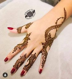 Image may contain: one or more people - mehndi - Henna Designs Hand Finger Henna Designs, Arabic Henna Designs, Mehndi Designs For Girls, Modern Mehndi Designs, Bridal Henna Designs, Mehndi Design Pictures, Mehndi Designs For Fingers, Henna Designs Easy, Beautiful Henna Designs