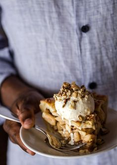 Caramel Apple Pie I FoolproofLiving.com
