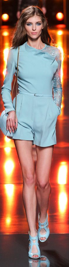 Elie Saab Collection Spring 2015 View Elie Saab's full profile on http://cravelouboutin.weebly.com/