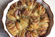 BATATAS GRATINADAS - receita deliciosa e super fácil de batatas gratinadas. Um acompanhamento super delicioso e fácil de fazer #acompanhamento #receita #batatagratinada
