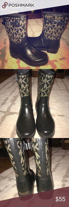 Michael Kors rain&winter boots Michael Kors rain/winter boots.  Great condition!! Michael Kors Shoes Winter & Rain Boots