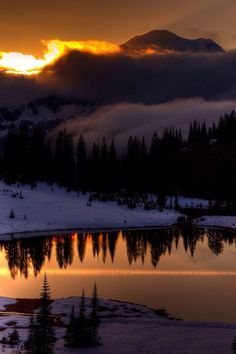sundxwn:  Lake Tipsooby Wesley B. Photography