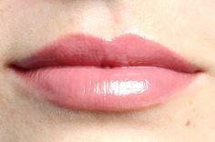 Mystic Pink veganer Lipgloss Suck My Kiss von exurbe cosmetics für Glanz und Pflege. Lipgloss, Mystic, Pink, Vegans, Sparkle, Nursing Care, Pink Hair, Roses