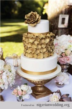 Wedding Trends: 20 Metallic Gold Wedding Cake Ideas |