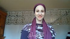 hair wrap scarf videos A perfect style for anyone from a newbie to the most experienced wrapper! Its amazing with a New York Brights scarf and an Original or Tuff 2 in 1 scarf, but you can also do it with any two long, rectangular scarves. Ways To Tie Scarves, Ways To Wear A Scarf, How To Wear Scarves, Hijab Turban Style, Mode Turban, Hair Wrap Scarf, Hair Scarf Styles, Hijab Style Tutorial, Scarf Tutorial