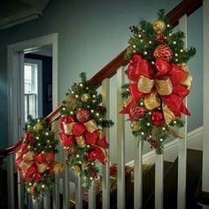 gorgeous 31 Affordable Indoor Christmas Stairs Decor Ideas That Will Amaze You Christmas Stairs Decorations, Beautiful Christmas Decorations, Christmas Greenery, Christmas Swags, Noel Christmas, Outdoor Christmas, Simple Christmas, Christmas Lights, Christmas Crafts