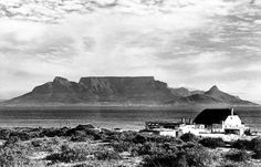 Cape Town history - view from Blouberg Strand 1955 Old Pictures, Old Photos, Cape Town South Africa, Table Mountain, Out Of Africa, Monument Valley, Live, Places To Go, Beautiful Places